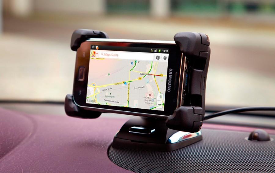 Opel FlexDock para un uso seguro de móvil.