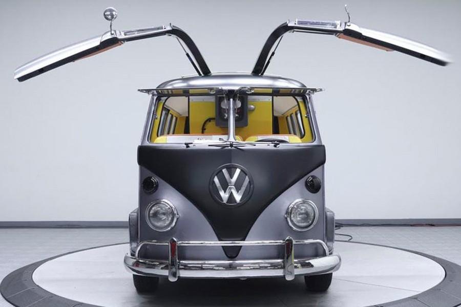 Regresa al futuro con esta furgo Volkswagen