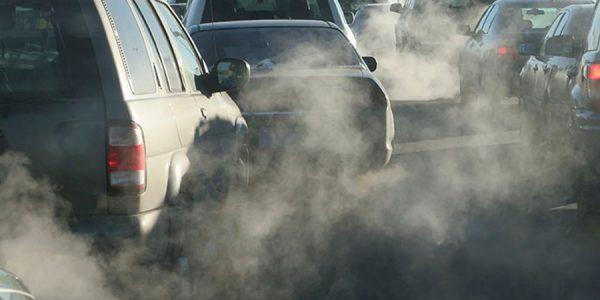 Prohibir los motores de combustión en 2040 podría ser ilegal