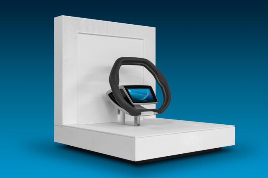 Desde la pantalla del volante de ZF se podrá decidir el tipo de conducción: autónoma o manual.