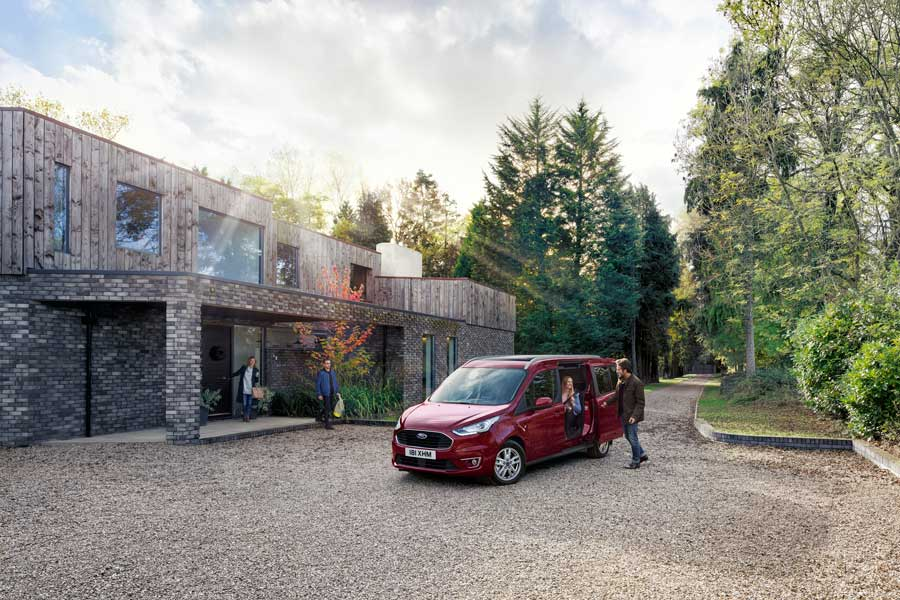 Nuevos Ford Tourneo Connect y Tourneo Courier 2018
