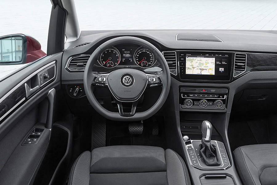 En el interior se mejora el equipamiento y el aspecto.