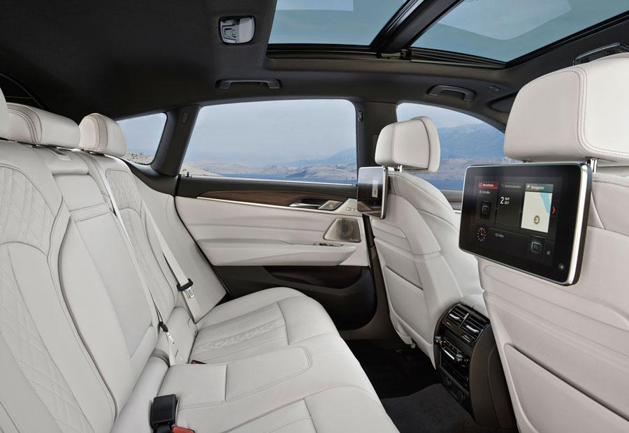 Las plazas traseras del BMW Serie 6 GT te hacen dudar acerca de si debes conducir...