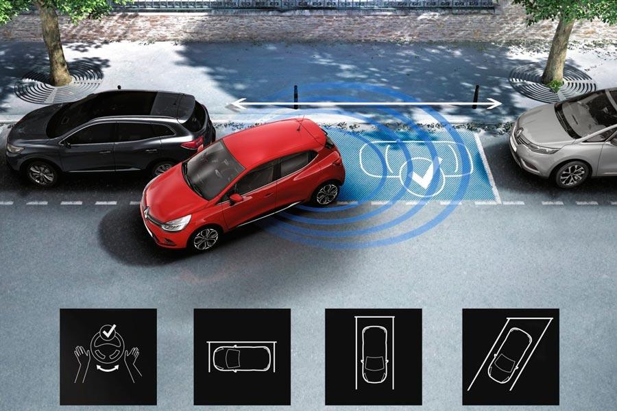 El park assist puede realizar estacionamientos en línea o en batería.