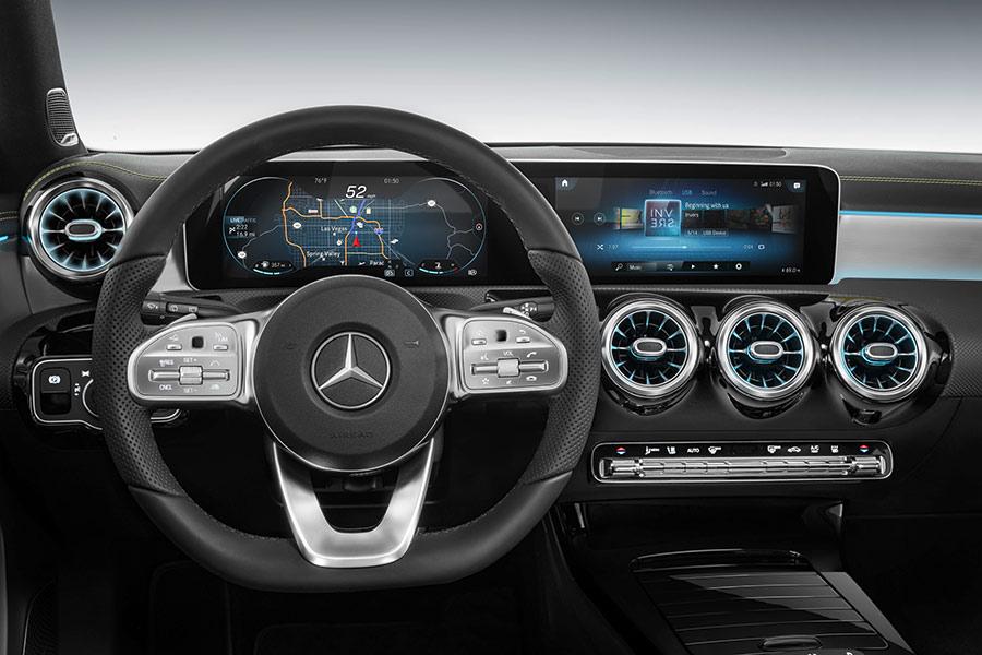 MBUX, el sistema multimedia de Mercedes que aprende de su conductor