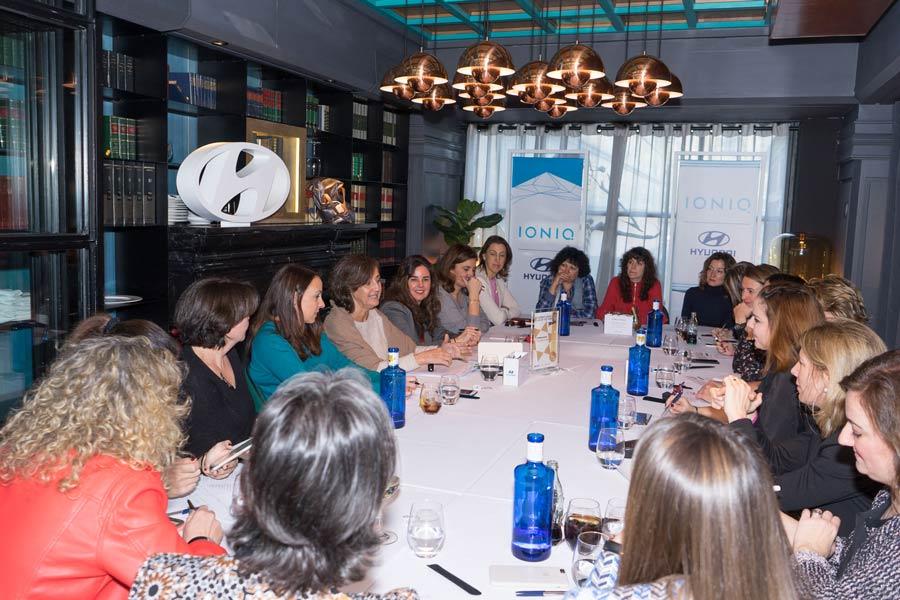 Un 42% de los conductores censados en España son mujeres.