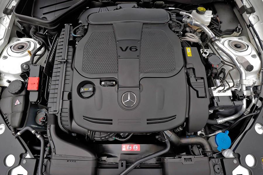 Mercedes dice adiós al V6