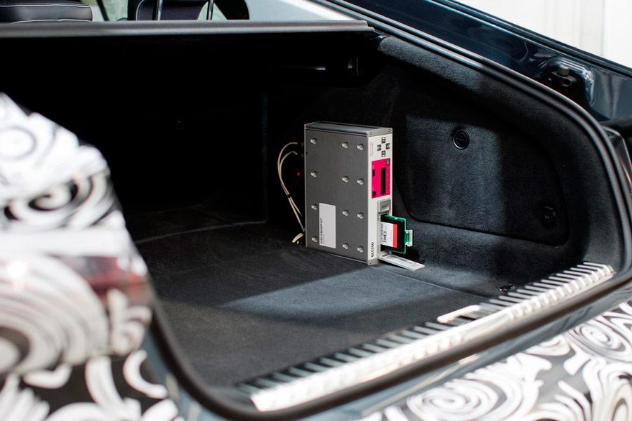 Cajas como esta son las que guardan todos los parámetros útiles para mejorar cada aspecto del vehículo en pruebas.