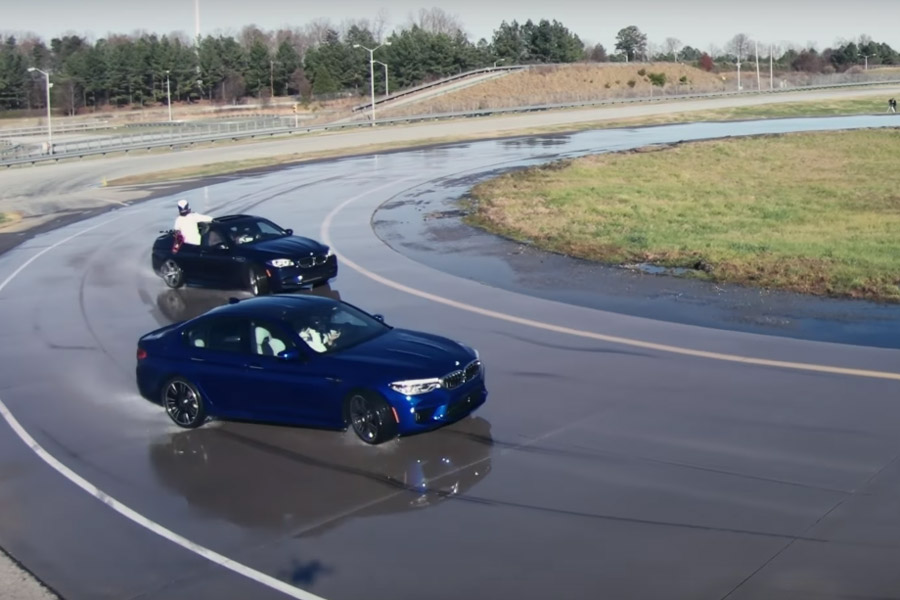 El BMW M5 reposta como el Air Force One y consigue dos Guinness (vídeo)
