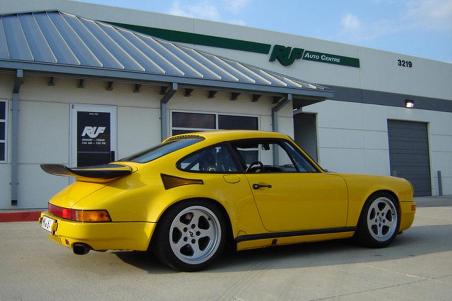 RUF preparó sobre la base de un Porsche 911 el Yellowbird, un mastodonte que fue el primero en alcanzar los 342 km/h.
