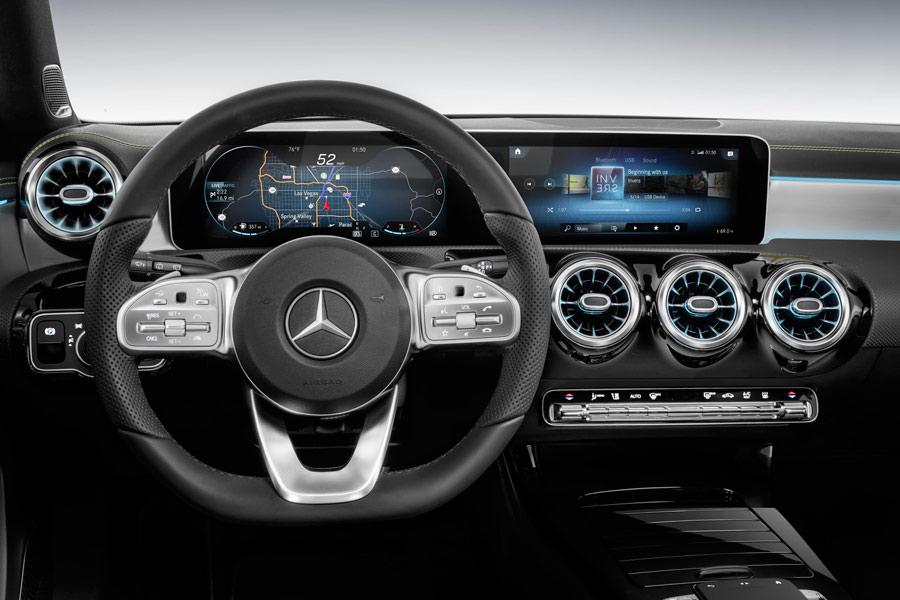 El interior del Mercedes Clase A 2018 es mucho más moderno y tecnológico.