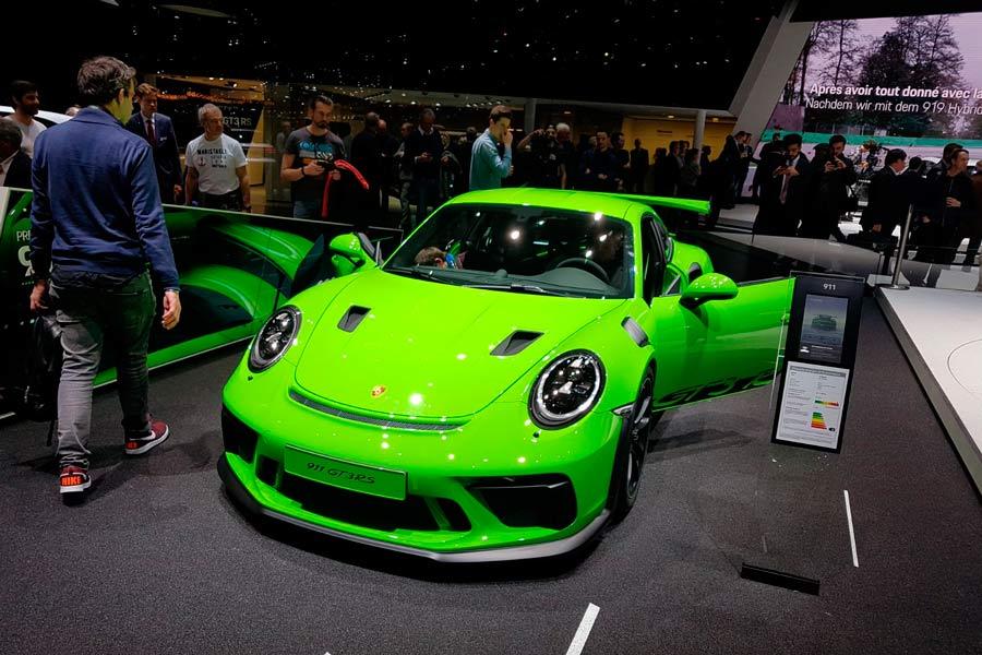 Porsche 911 GT3 RS: ¿por qué no vivir en un circuito?
