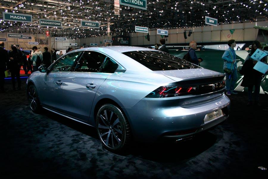El nuevo Peugeot 508 cuenta con un atractivo diseño de corte coupé.