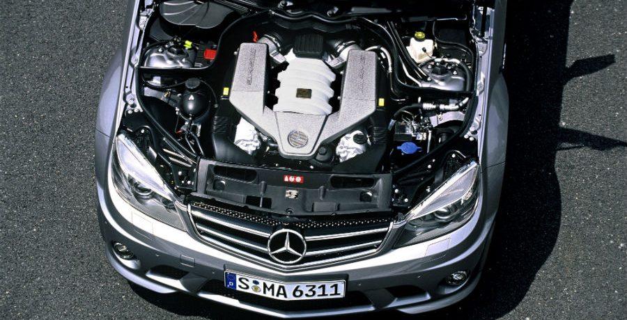 Cómo comprar coches con grandes motores a pequeños precios
