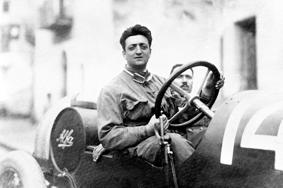 Enzo Ferrari cumple 120 años