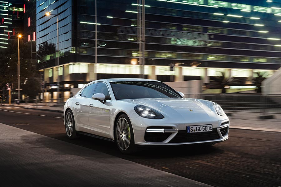 El lanzamiento del nuevo Panamera pondrá en la carretera la tercera generación de la propulsión híbrida Porsche.