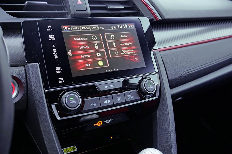 El equipamiento del Civic es muy completo y avanzado.