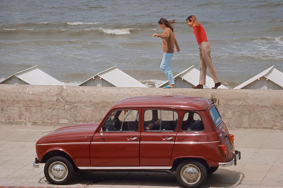 El Renault 4 fue el primero de una nueva denominación de modelos de gran éxito.