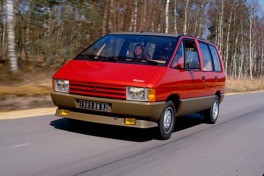 El Renault Espace inauguró una nueva categoría y revolucionó el mercado.