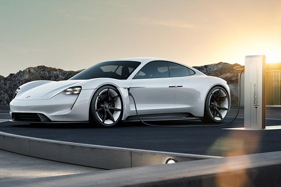 Porsche invertirá más de 6.000 millones de euros en electromovilidad