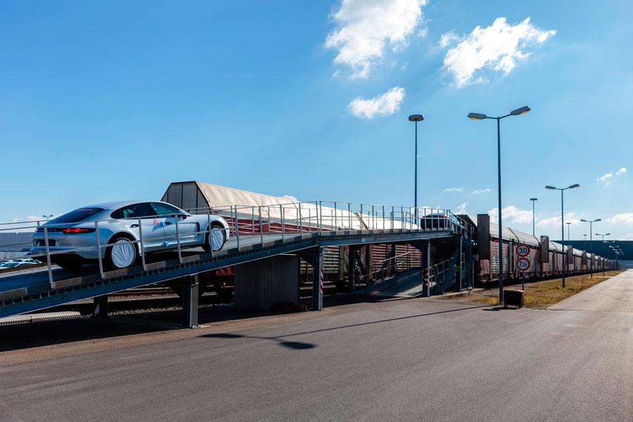 Porsche recurre a la logística sostenible en su distribución