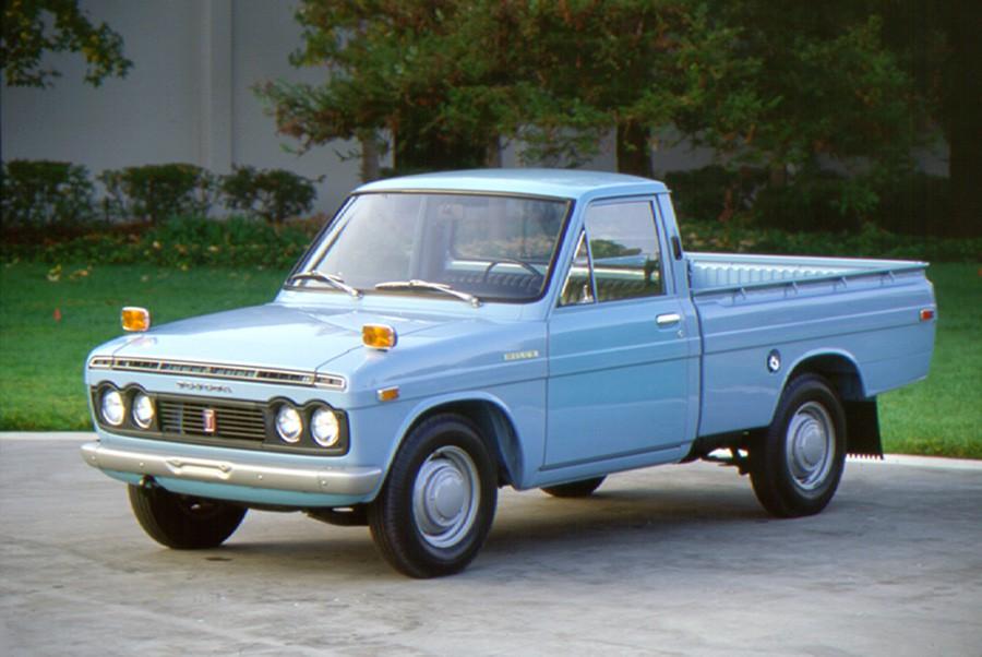 Toyota Hilux: el coche indestructible cumple medio siglo