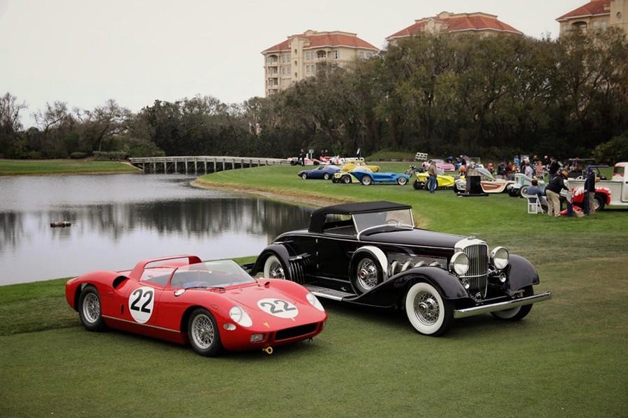 Estas dos joyas han sido los ganadores del concurso de elegancia: Ferrari y Duesemberg.