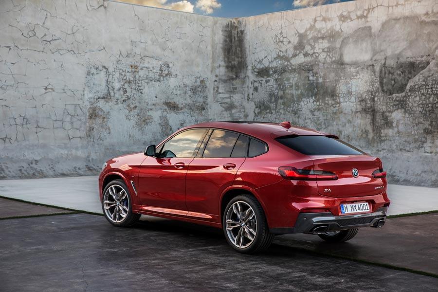 El diseño de la zaga del nuevo BMW X4 es más sofisticada.