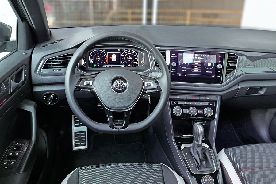 Prueba del nuevo vw t roc gasolina autom tico de 190 cv for Interior volkswagen t roc