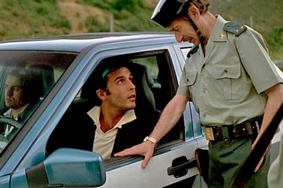 ¿Puede saltar un airbag por golpear el salpicadero?