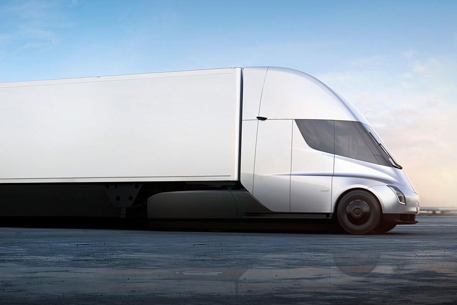 Primer viaje del Tesla Semi cargado de baterías