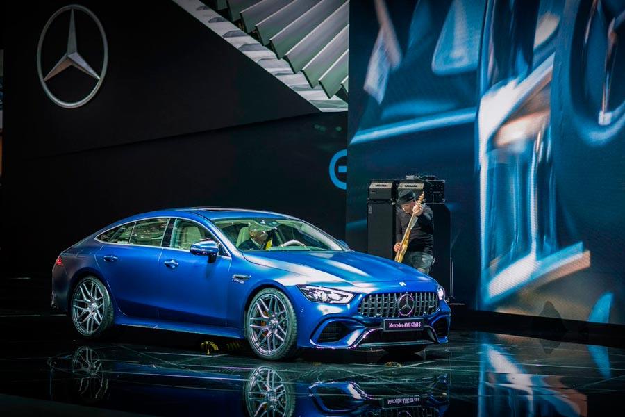Mercedes-AMG GT 4 Coupé.
