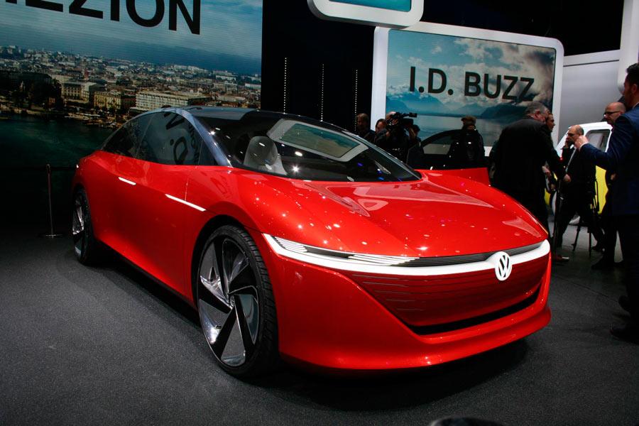 El prototipo Volkswagen I.D. Vizzion adelanta la futura berlina 100% eléctrica de la marca.
