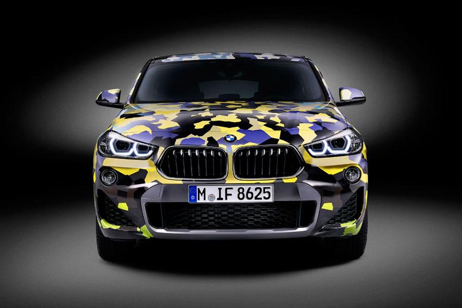 Durante las pruebas de testeo antes de lanzar los modelos al mercado, los vehículos lucen camuflajes similares.