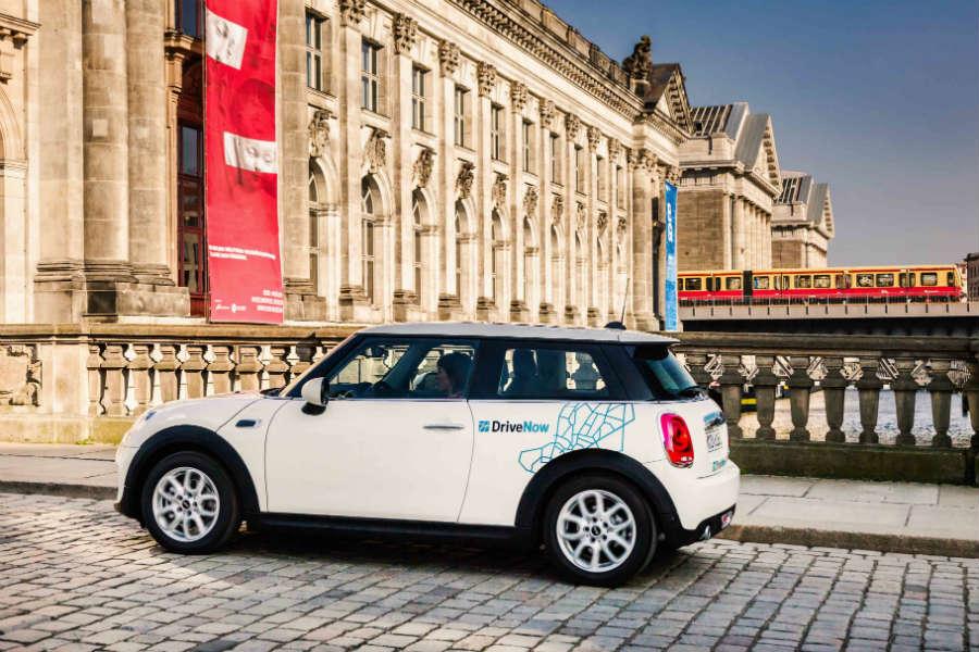 BMW y Daimler se asocian para ofrecer una única solución de movilidad
