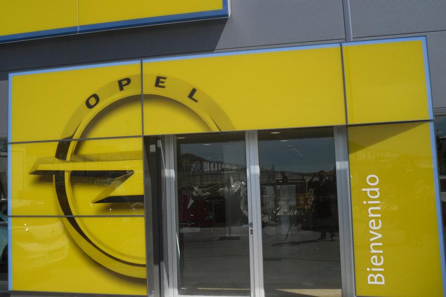 La desprotección de Opel hacia sus concesionarios, según la patronal