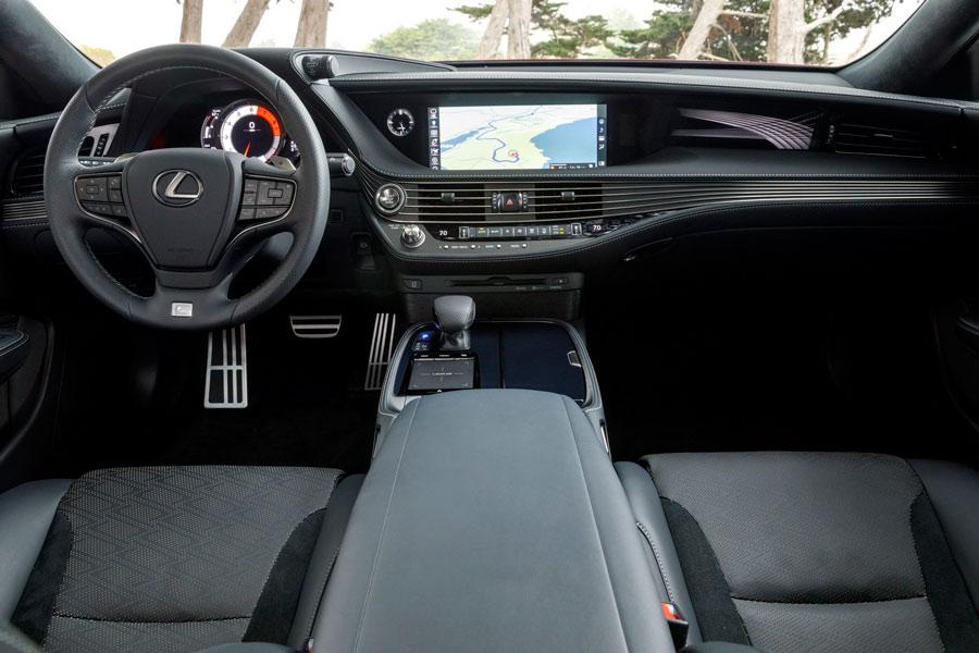 Interior del Lexus LS.