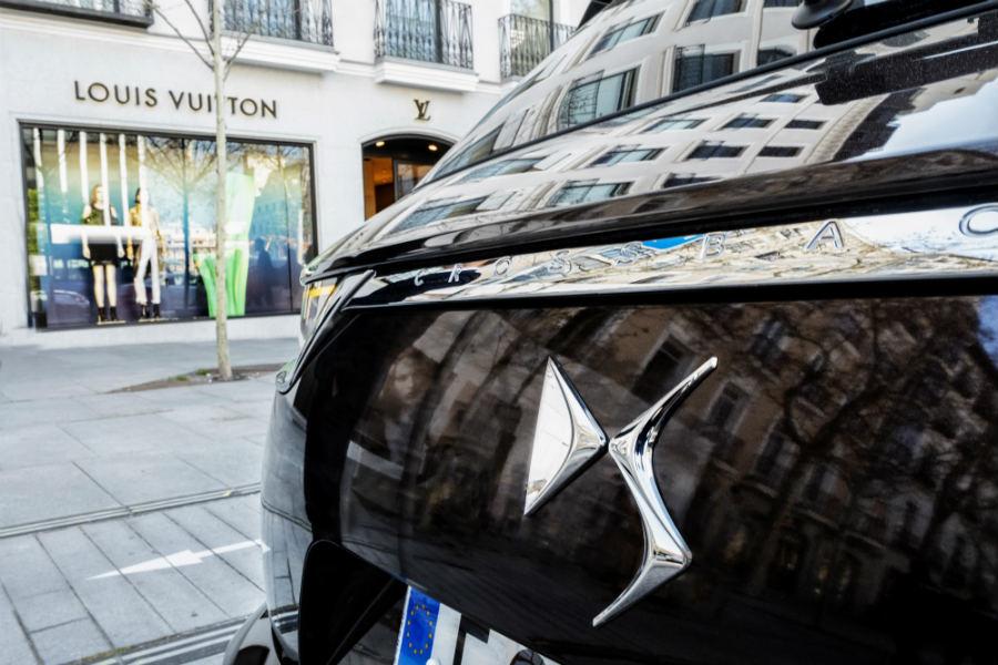 El DS 7 Crossback acompaña a Louis Vuitton en su exposición