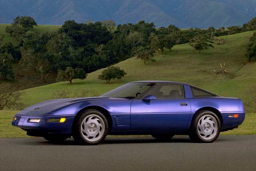 El Corvette C4 sorprendió en 1983 con un cuadro de mandos completamente digital.