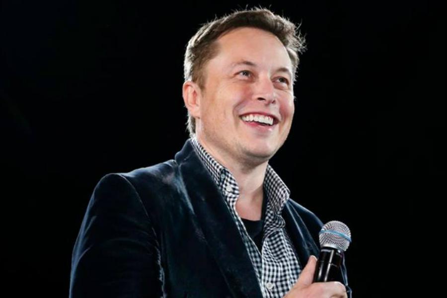 """Elon Musk admite que fue """"estúpido"""" rechazar las preguntas de analistas"""