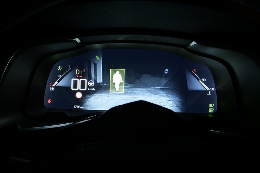 El sistema de visión nocturna del DS7 es espectacular.