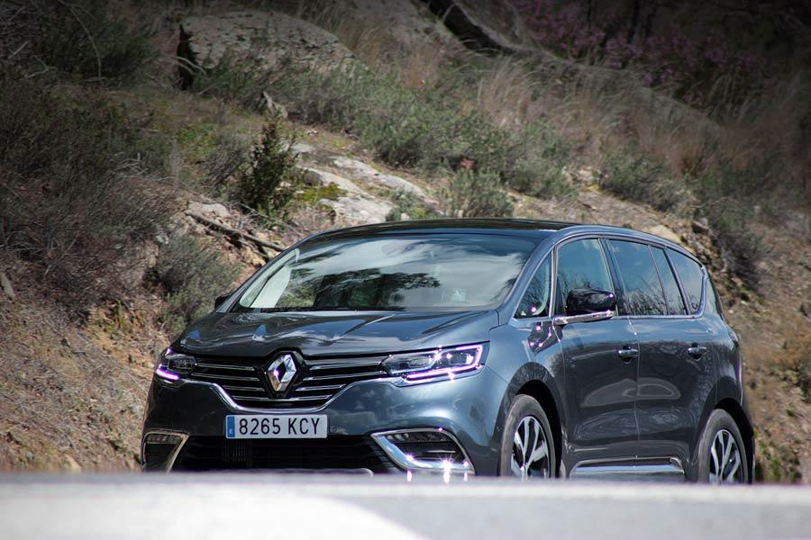Imágenes dinámicas de la Renault Espace.