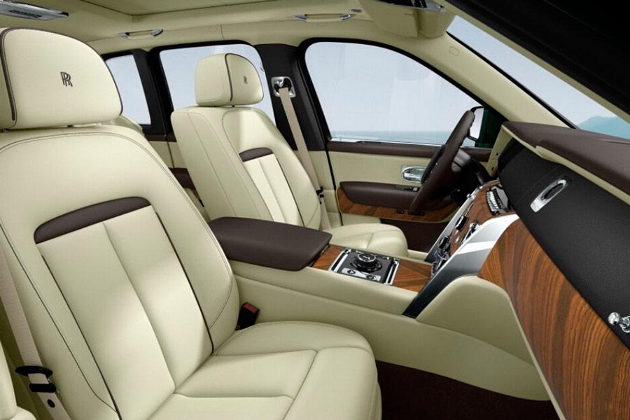 Personaliza tu Rolls-Royce Cullinan perfecto.
