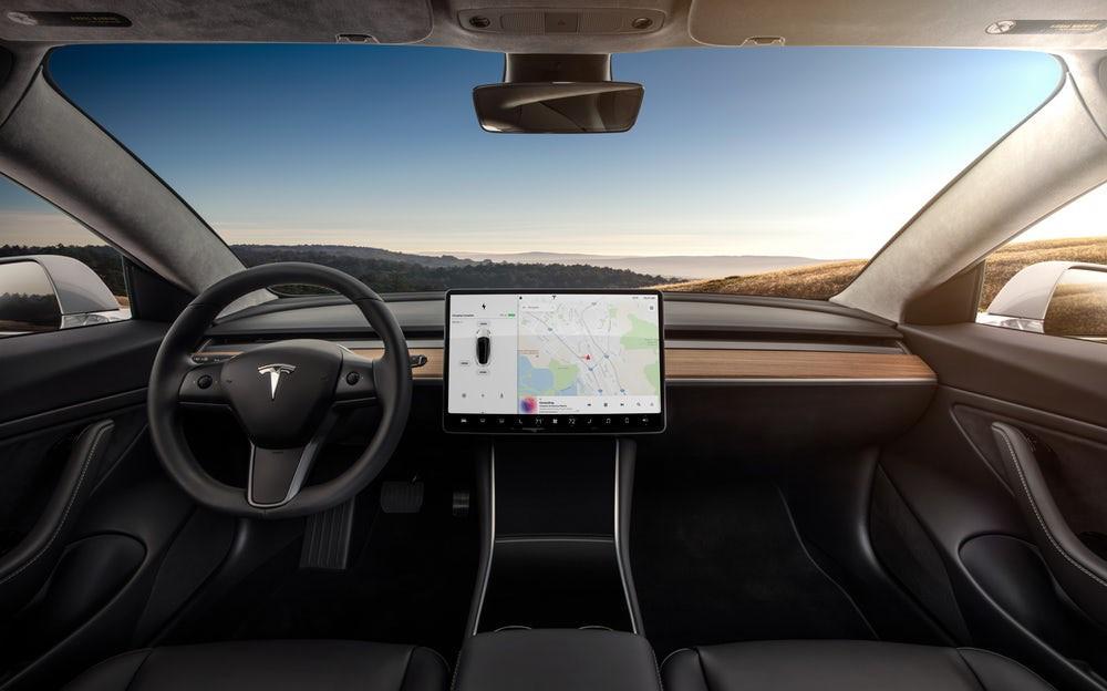 El Model 3 con dos motores se convierte en una especie de Model S a escala.