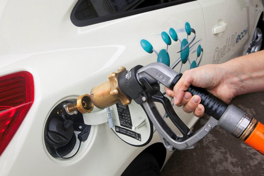 La carga de Gas Natural es igual de rápida que la de un vehículo de gasolina