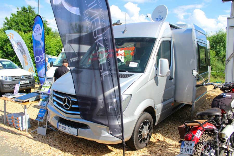 Esta Mercedes Sprinter es un mini motorhome