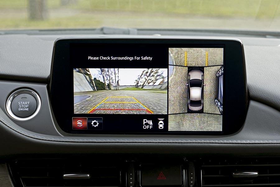 Las cámaras de visión 360º son una de las novedades del Mazda6 2018.