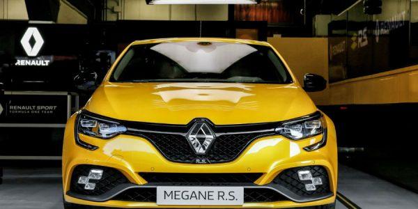Nuevo Renault Mégane R.S Trophy: vuelve el matagigantes