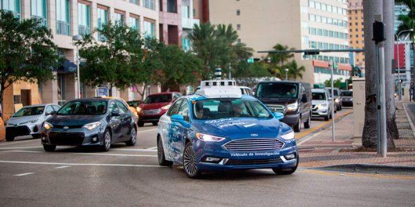 ¿Algo falla? Ford retrasa su coche autónomo