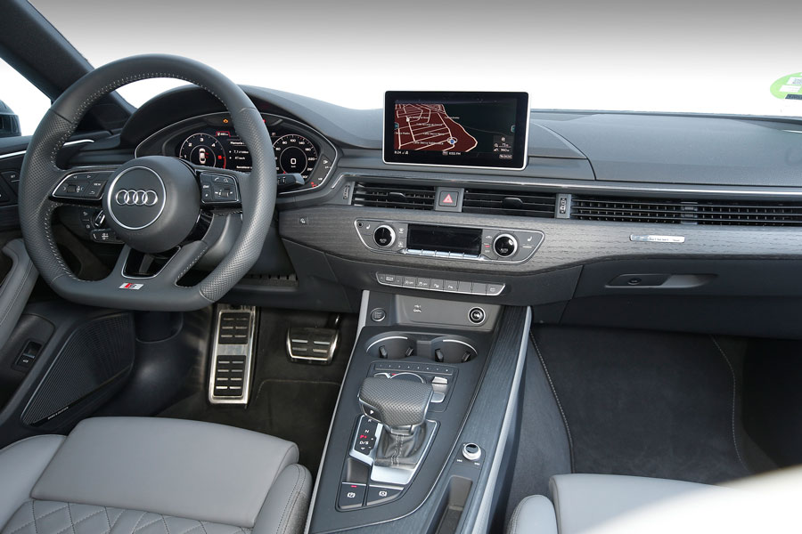 El interior está repleto de materiales de calidad.